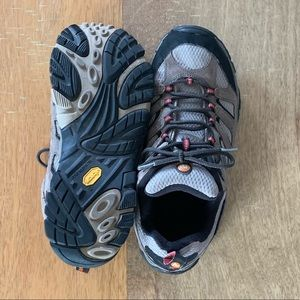 NWOT Merrell Moab 2 Waterproof Hiking Shoes